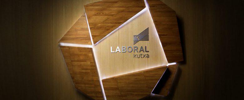 Laboral Kutxa – Rótulo